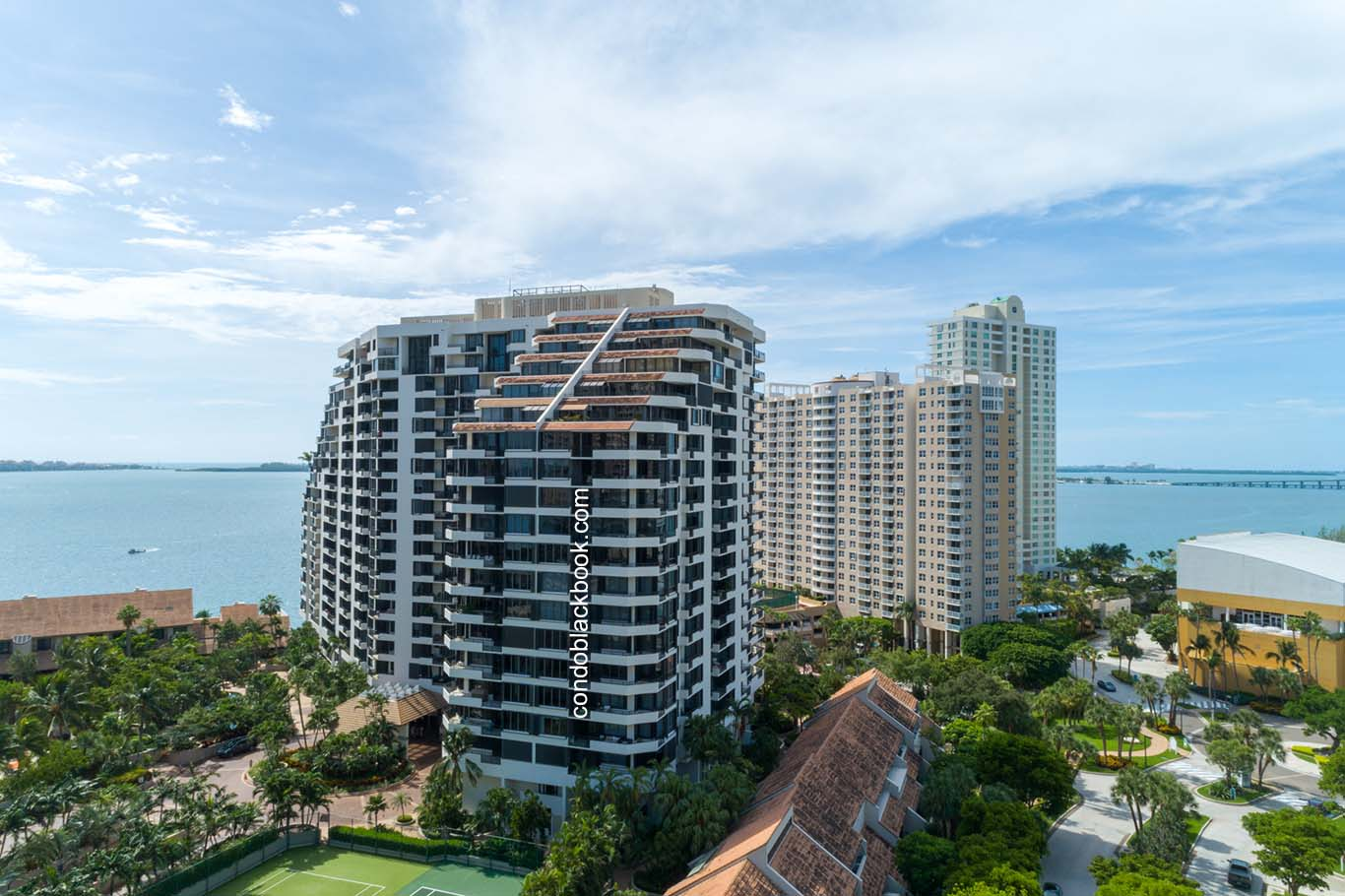 Brickell Key I Img1