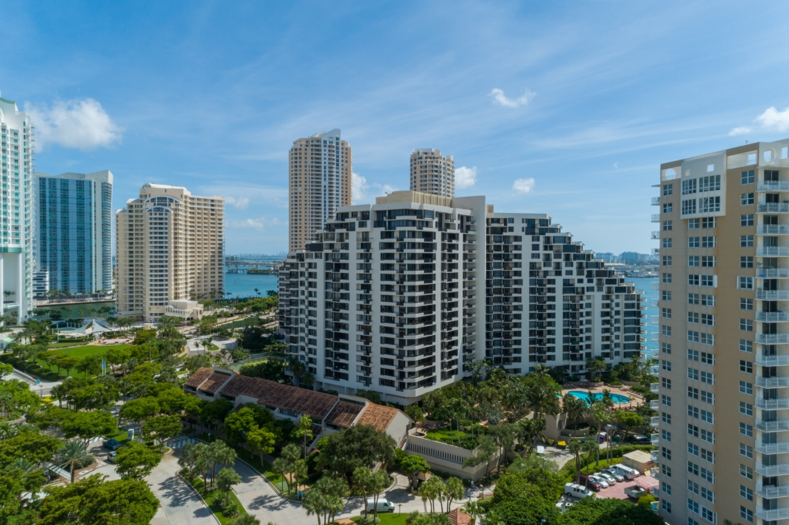 Brickell Key I Img3