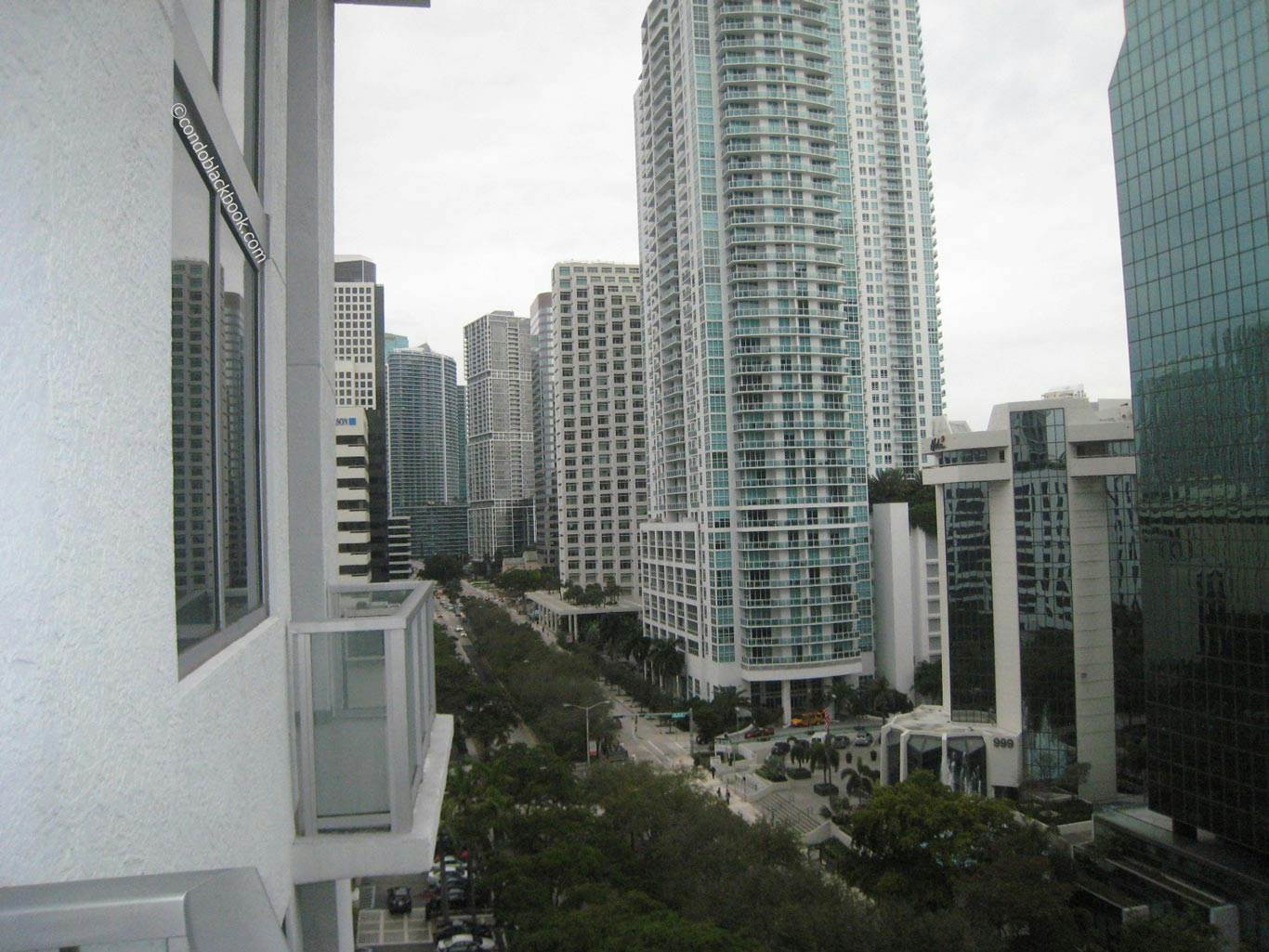 Avenue 1060 Brickell Img1