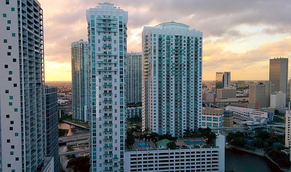 Brickell on the River North Img1