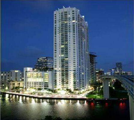 Brickell on the River South Img1