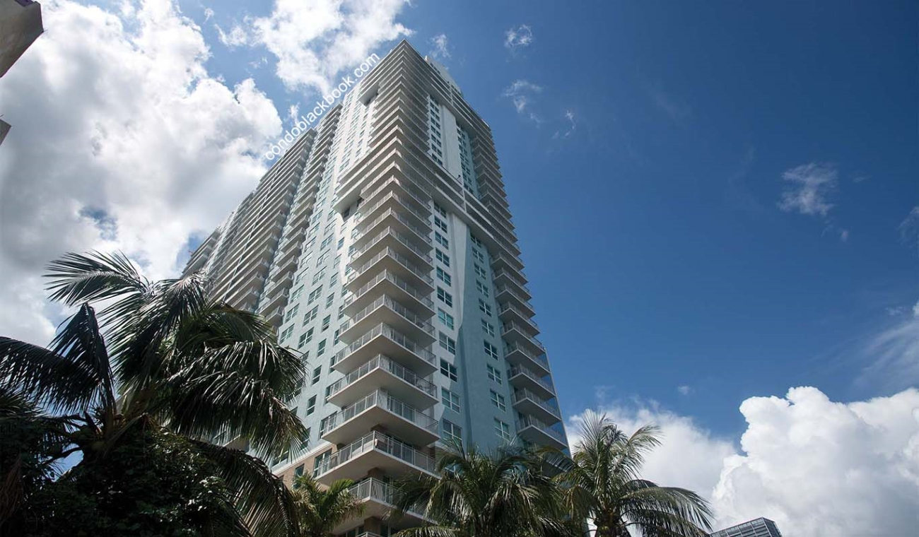 Yacht Club at Brickell Img1