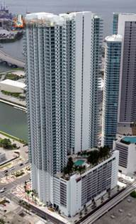 Building in Miami, Downtown Miami, 900 Biscayne Bay