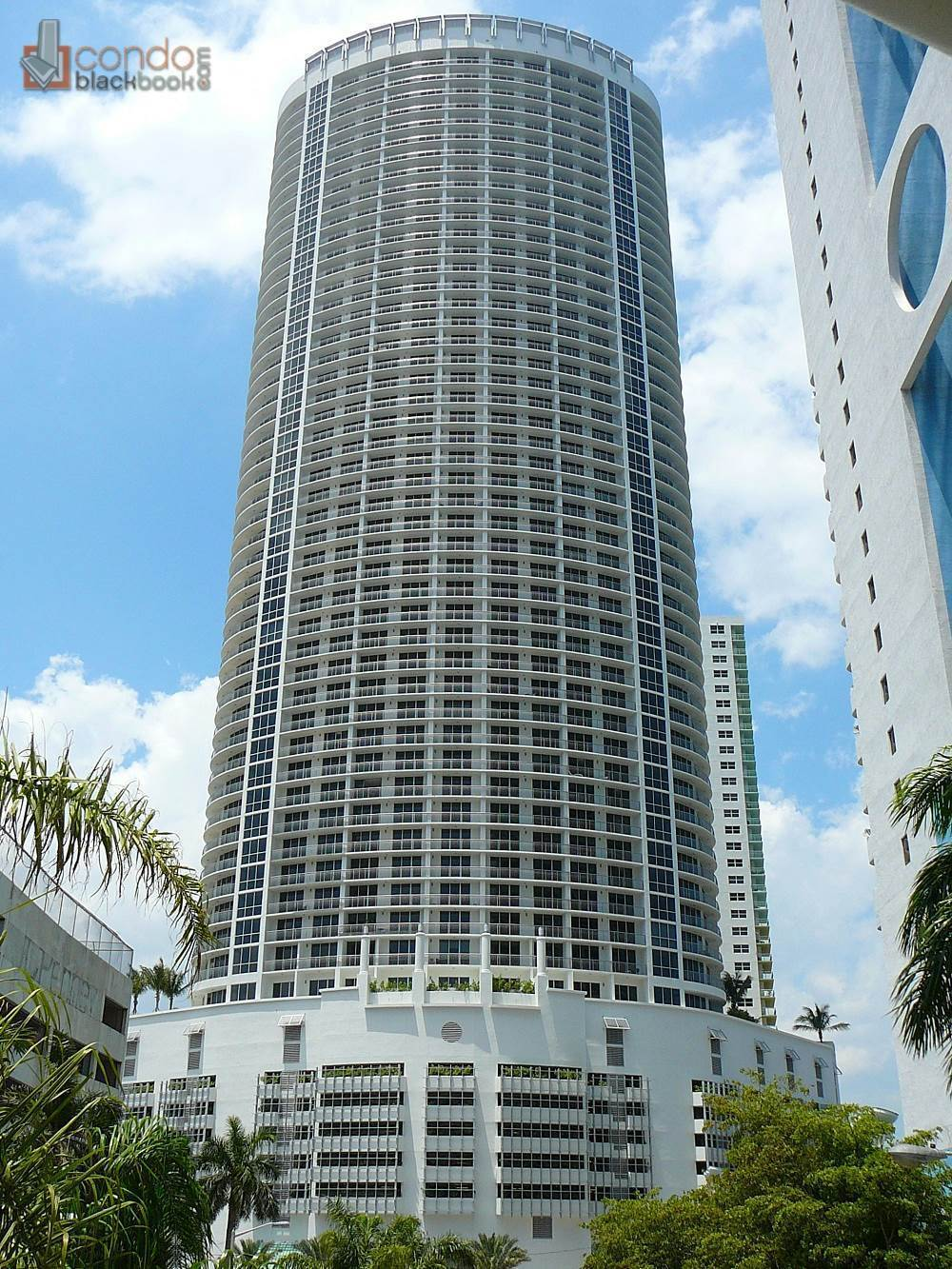 Building in Miami, Downtown Miami, Opera Tower