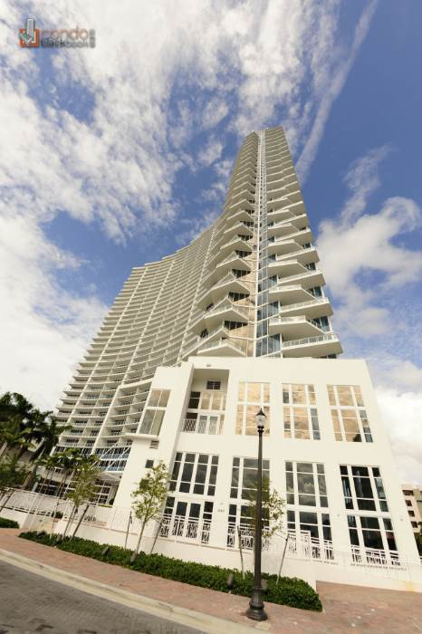 Search Paramount Bay Condos for Sale and Rent in Edgewater ...