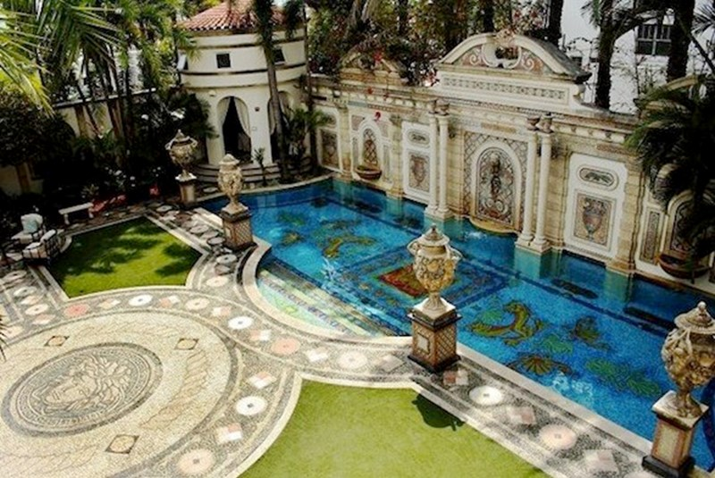 Ex-Versace Casa Can Now Be Su Casa at a Revised Price of $100 Million