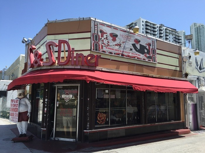 Eviction Alert! Last Chance to Grab a Bite in Edgewater's Historic S&S Diner