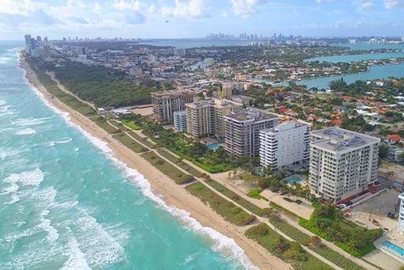 Why Do New Yorkers Love Miami So Much?