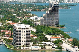 The Most Luxurious Condo Buildings in Venetian Islands