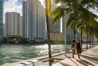 Miami Neighborhood Comparison: Edgewater vs Downtown Miami