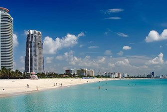 Coconut Grove vs South Beach: Which Miami Neighborhood is Better?
